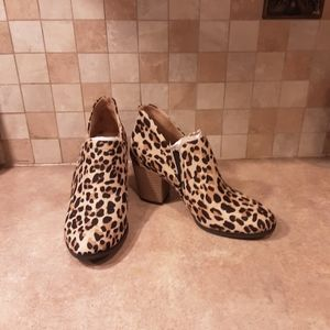 Dr. Scholl's leopard print ankle booties NWOT